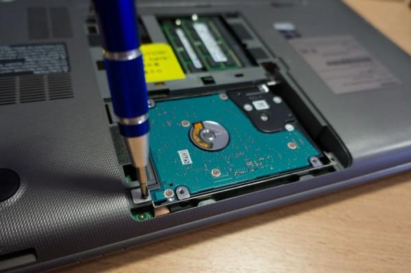 HDDをSSDに変換